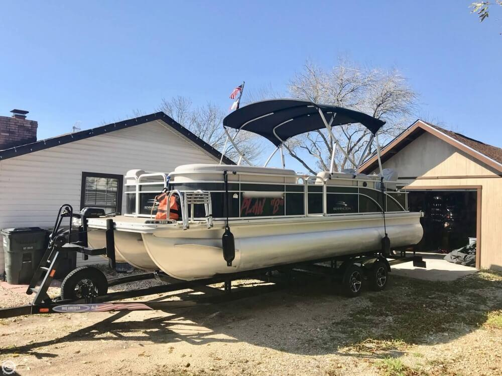 2015 Bennington For Sale in Kyle TX