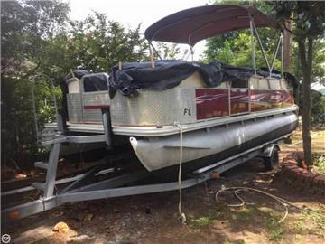 2012 Sylvan 820 Pontoon Boats