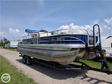 2017 Sun Tracker 22 Pontoon Boats