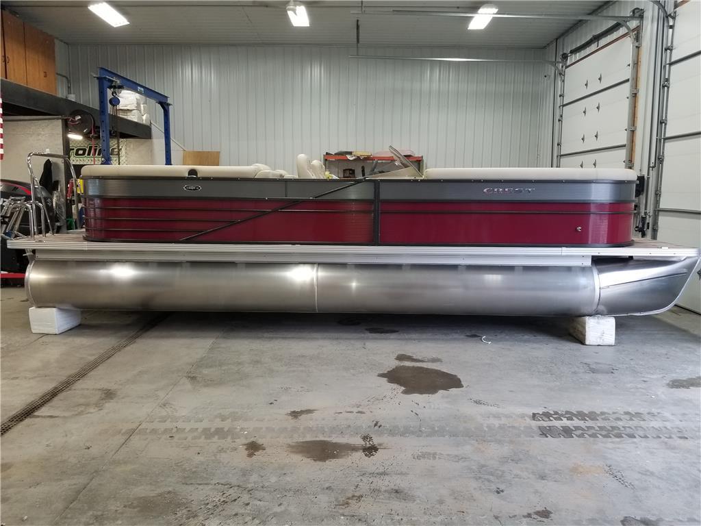 2018 CREST II 250 SLC