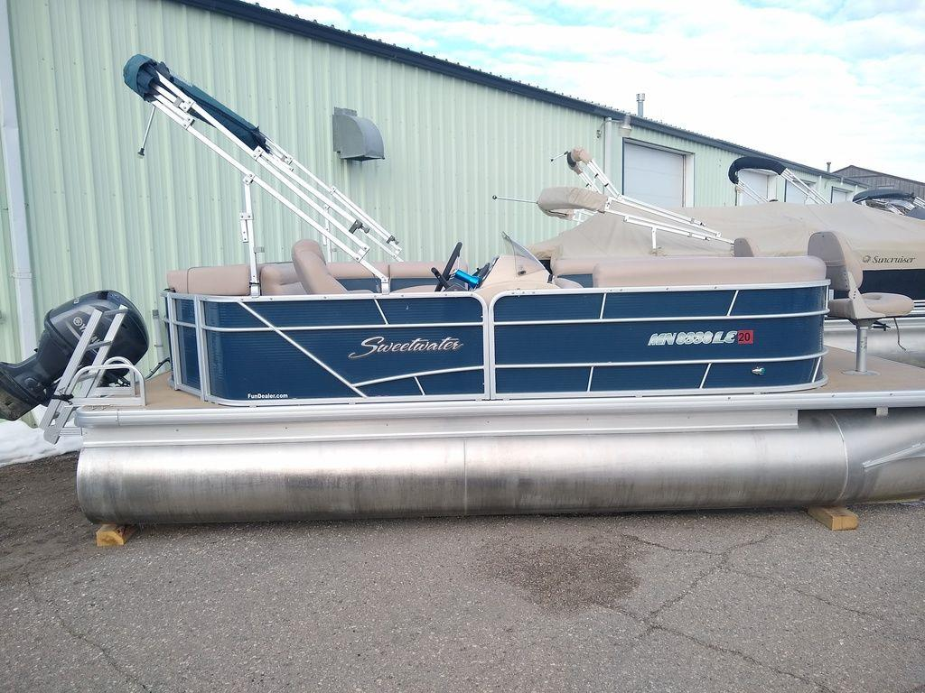 2015 Sweetwater 2086 BOW FISH 70 HP SEA LEGS