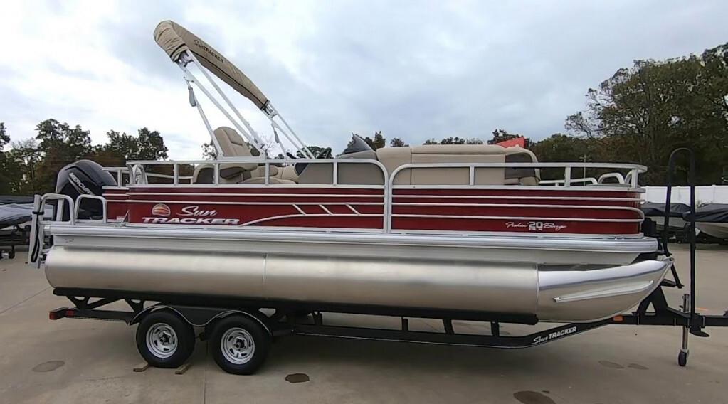 2020 Sun Tracker 20 DLX Fishing Barge